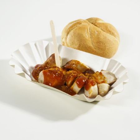 bread roll: Currywurst (curry sausage) with bread roll LANG_EVOIMAGES