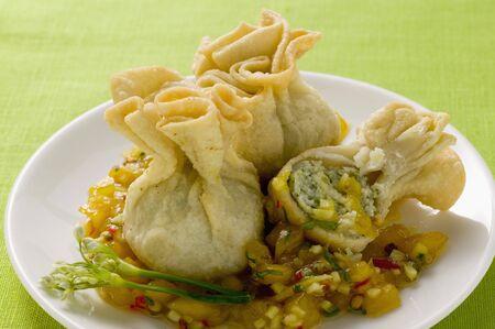 chutney: Wontons con chutney de mango