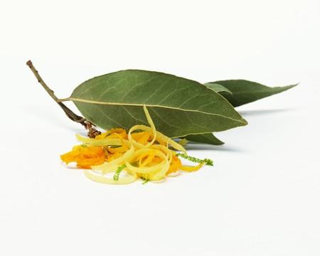 zest: Bay leaves and citrus zest LANG_EVOIMAGES