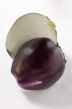 aubergine: Aubergine, halved LANG_EVOIMAGES