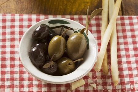 grissini: Olives and grissini LANG_EVOIMAGES