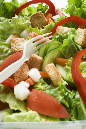 well made: Salad leaves with vegetables and croutons to take away LANG_EVOIMAGES