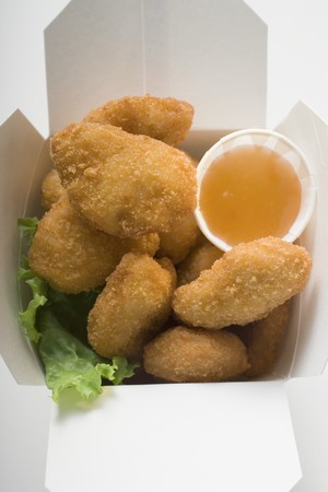 nuggets de poulet: Nuggets de poulet � la sauce aigre-douce � emporter