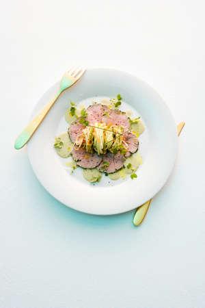 slashed: Veal fillet with vegetable spaghetti LANG_EVOIMAGES