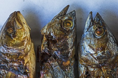 broiling: Three grilled fish (Thailand)