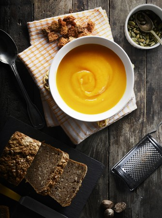 butternut squash: Butternut squash soup, croutons, pumpkin seeds and wholemeal bread