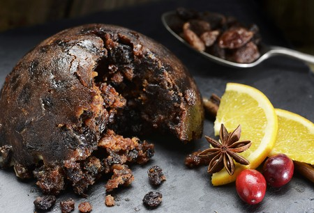 christmas pudding: Christmas pudding with cranberries and oranges