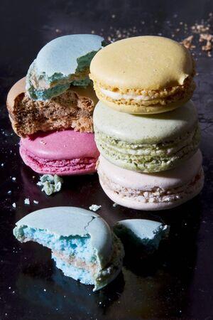 macarons: Coloured macarons LANG_EVOIMAGES