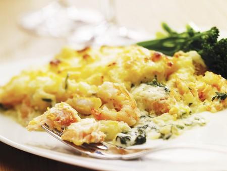 plato de pescado: El pastel de pescado (plato de pescado al horno con pur� de patata relleno) LANG_EVOIMAGES