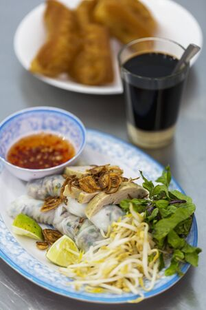 cuon: Vietnamese Banh Cuon rice paper rolls with bean sprouts and a chilli dip (Vientiane, Laos)