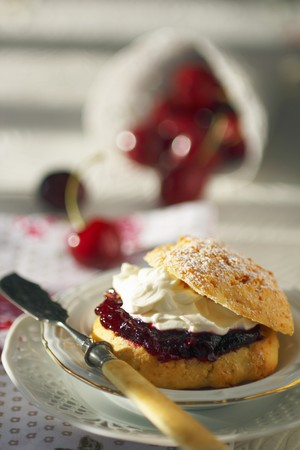 scone: A scone filled with cherry jam and cream cheese LANG_EVOIMAGES