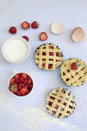 grille: Unbaked strawberry tarts