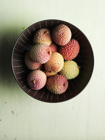 lychees: A ball of lychees LANG_EVOIMAGES