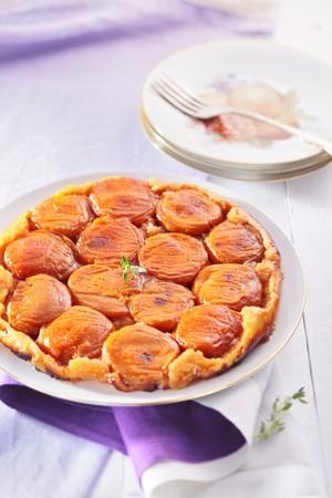 gold table cloth: Apricot tarte tatin