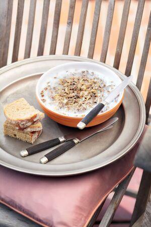 lard: Chicken lard with bread