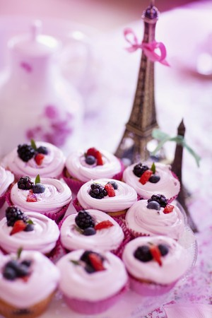 coffeepots: Berry cupcakes LANG_EVOIMAGES