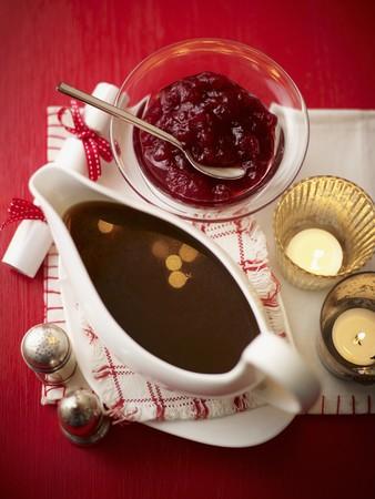 vaccinium macrocarpon: Gravy and cranberry sauce