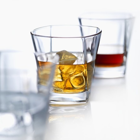 whiskey on the rocks: Whiskey on the rocks with ice cubes