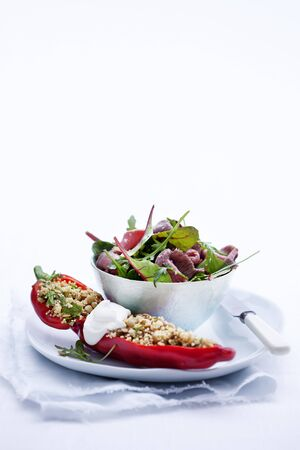 pimiento: Stuffed peppers with a quinoa and roastbeef salad LANG_EVOIMAGES