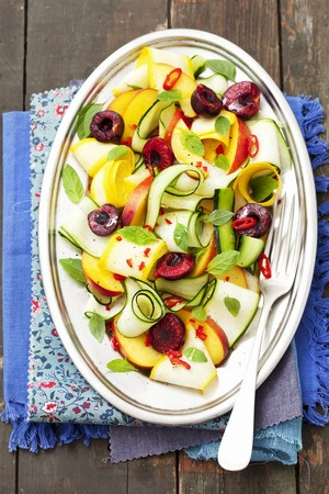 cocozelle: Courgette salad with nectarines, cherries and chilies