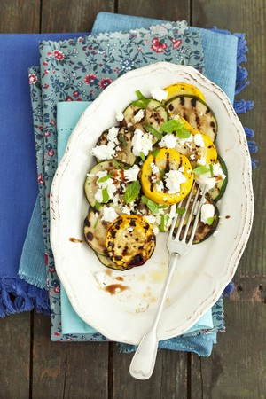 cocozelle: Grilled courgettes with feta, mint and a balsamic dressing LANG_EVOIMAGES