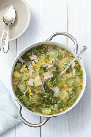 savoy cabbage: Savoy cabbage soup with potatoes, ham and sweetcorn LANG_EVOIMAGES
