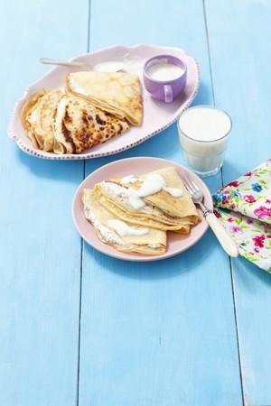 quark: Pancakes with vanilla quark served with a banana milkshake