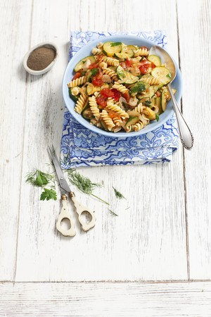 fussili: Fusilli with courgettes, tomatoes and dill