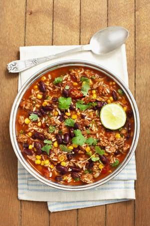 kidneybohnen: Reis mit Hackfleisch, Bohnen und Tomaten-Sauce LANG_EVOIMAGES