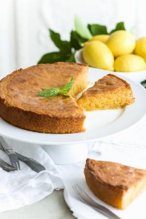 limon: Polenta and lemon cake