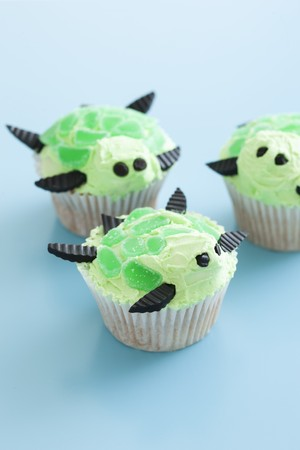 childrens food: Turtle cupcakes