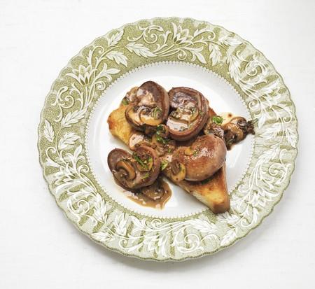 kidneys: Kidneys and mushrooms on toast