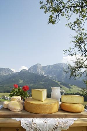 se: A cheese platter from Salzburg, Austria (Schmierkäse, Bergkäse, Almkönig and Bierkäse)
