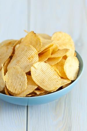 potato crisps: Potato crisps with paprika LANG_EVOIMAGES