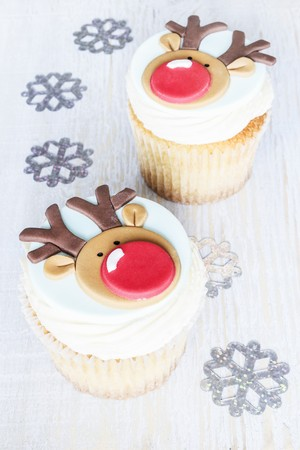 flavouring: Christmas reindeer cakes with eggnog flavouring