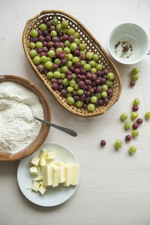 grain and cereal products: Ingredients for gooseberry cake