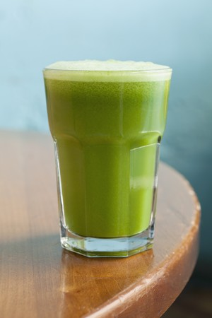apium graveolens: Apple and celery juice with spinach and ginger LANG_EVOIMAGES
