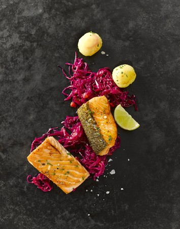 salmon fillet: Salmon fillet with red cabbage and mini potato dumplings
