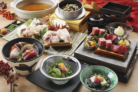 beancurd: Traditional Japanese dishes: beef, chicken, tofu, sashimi and salad