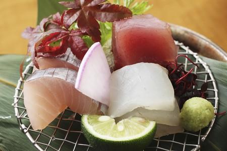 tunafish: Sashimi with wasabi (Japan) LANG_EVOIMAGES