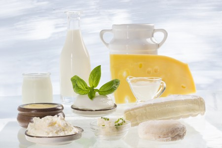 quark: An arrangement of various different dairy products (milk, sour cream, cheese, quark)