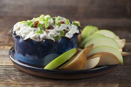 brownness: Blue cheese dip with fruit LANG_EVOIMAGES