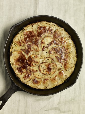 parmesan cheese: Potato cake with garlic and Parmesan cheese