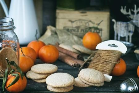 cinammon: Almond cookies and mandarins (Christmas)