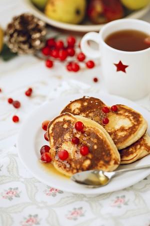 vaccinium macrocarpon: Gluten-free pancakes made with coconut flour LANG_EVOIMAGES