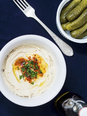 sandwich spread: Hummus and gherkins LANG_EVOIMAGES