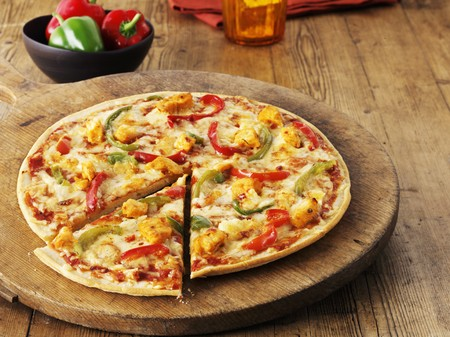 pimiento: A hot and spicy chicken and and pepper pizza