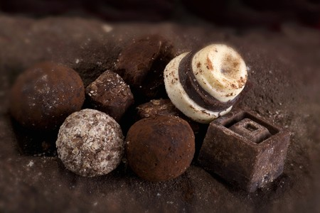 champagne truffles chocolate: Assorted chocolates LANG_EVOIMAGES