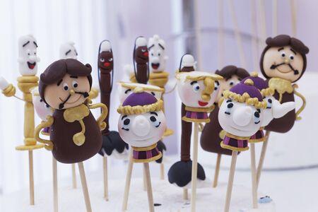 cake pops: Funny cake pops LANG_EVOIMAGES