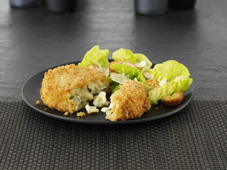 coatings: Breaded cheese and leek cakes with lettuce
